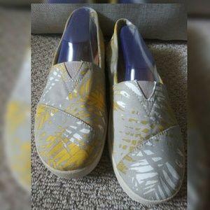 Toms⭐ Flat Slip-On Shoe